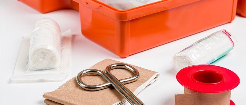 Quel est le rôle de la norme DIN en matière de premiers secours?