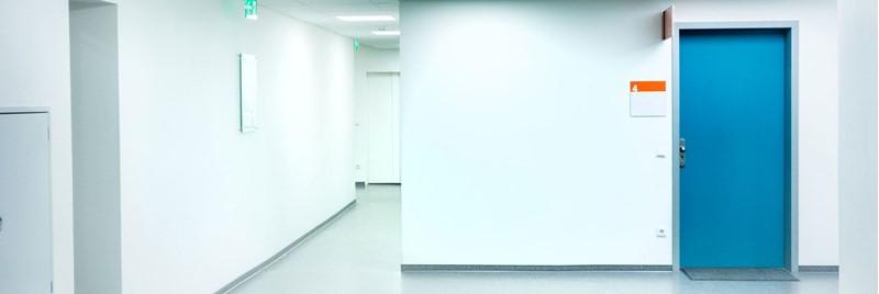 Est-il nécessaire d'avoir une salle de soins dédiée aux premiers secours?